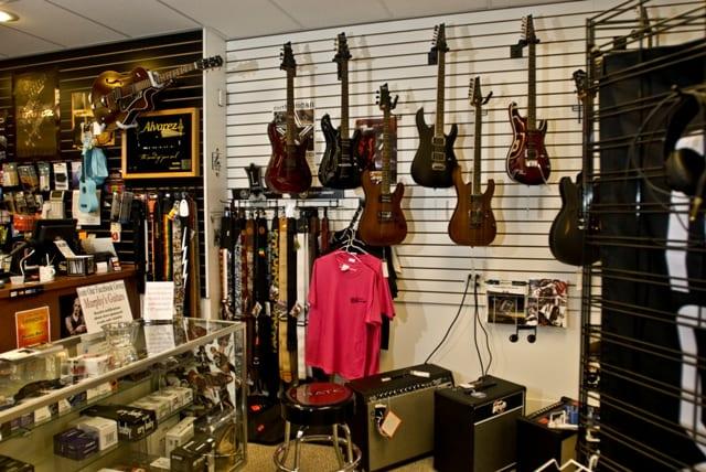 About - Murphy's Guitars
